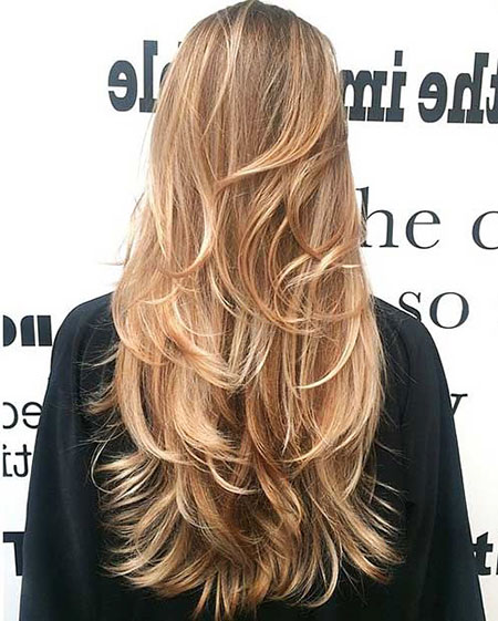 Hair Long Blonde Layered